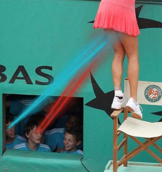 Ramasseurs de balles en train de mater sous la jupe de Ana Ivanovic