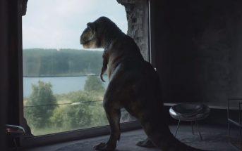 Moqué pour ses petits bras, un T-Rex dépressif reprend goût à la vie grâce à Audi