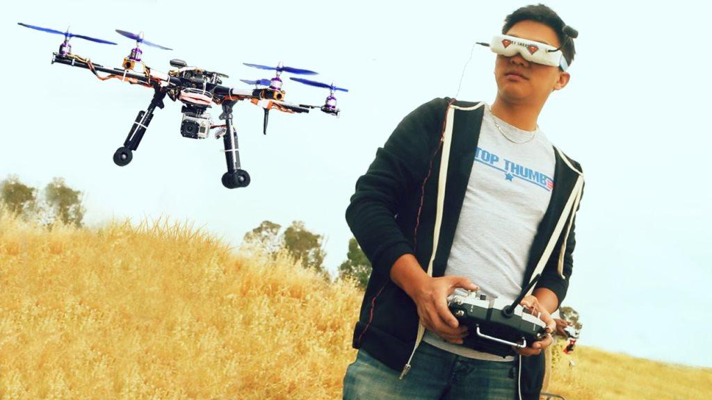 pilote de drone FPV : le vol en immerssion avec des lnuettes