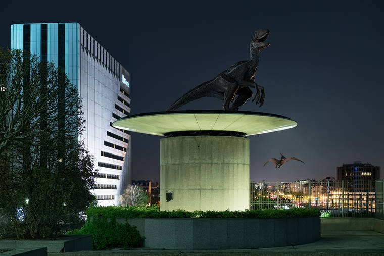 benoit-lapray-the-wildlife-dinosaures-la-defense-06