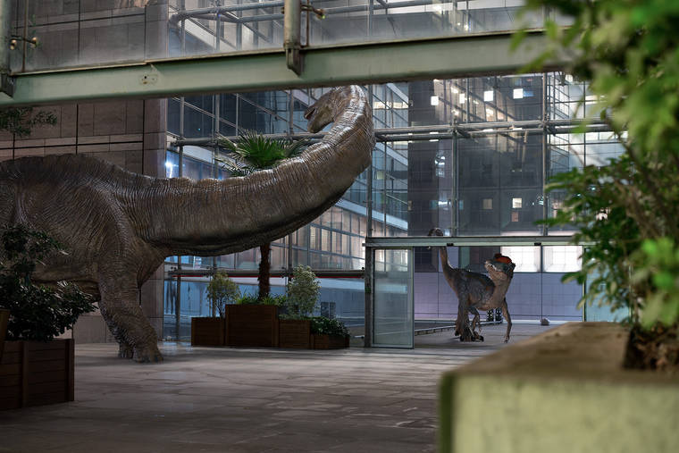 benoit-lapray-the-wildlife-dinosaures-la-defense-13