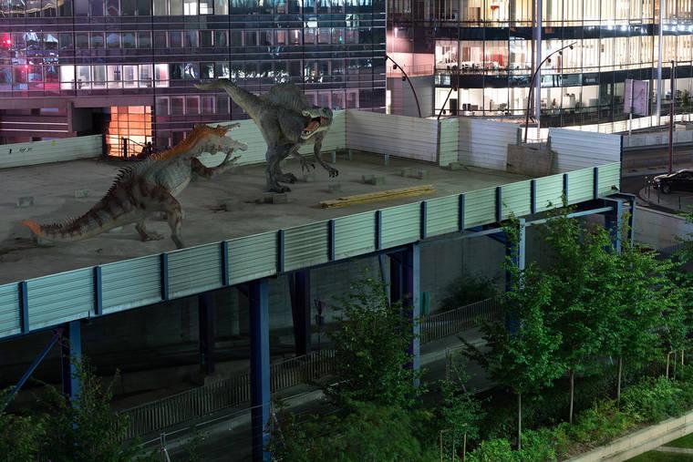 benoit-lapray-the-wildlife-dinosaures-la-defense-16