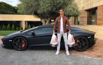 La pose ridicule de Cristiano Ronaldo devant sa Lamborghini Aventador parodiée par le web