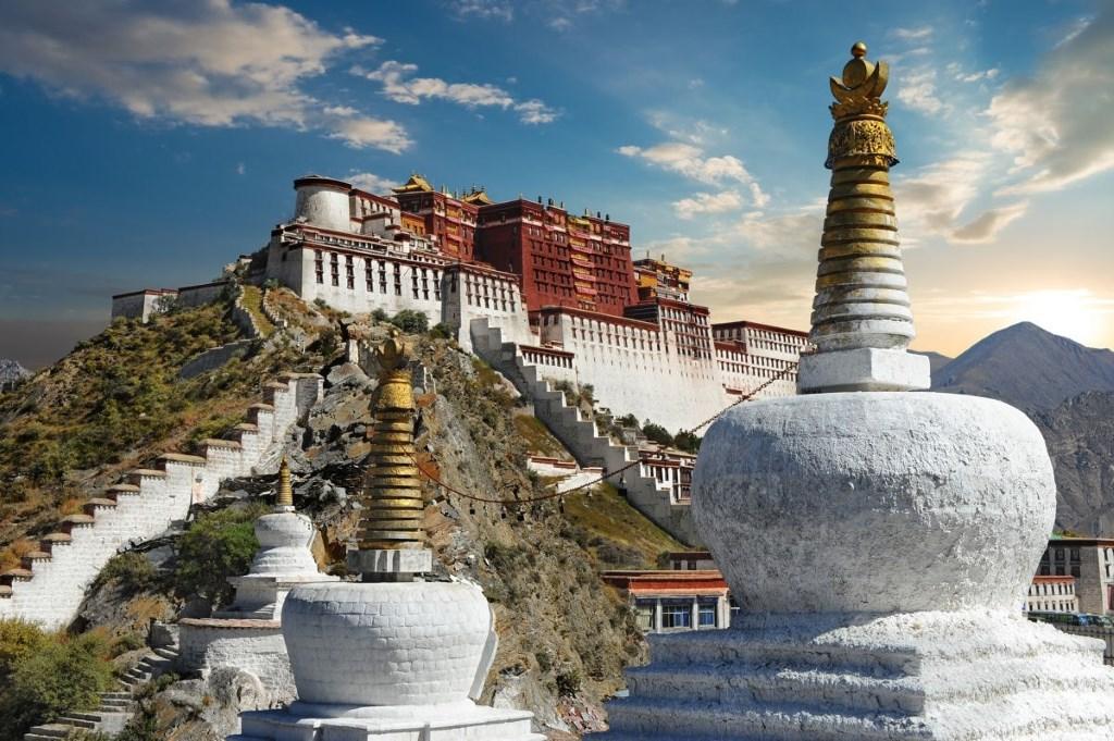 palais du Potala au Tibet
