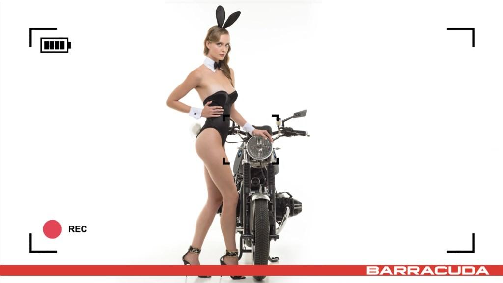 Calendrier Moto sexy Barracuda 2017 : Tatiana-Fisher en lapine coquine
