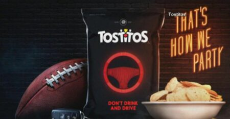 Le paquet de chips alcootest de tostitos pour le super bowl