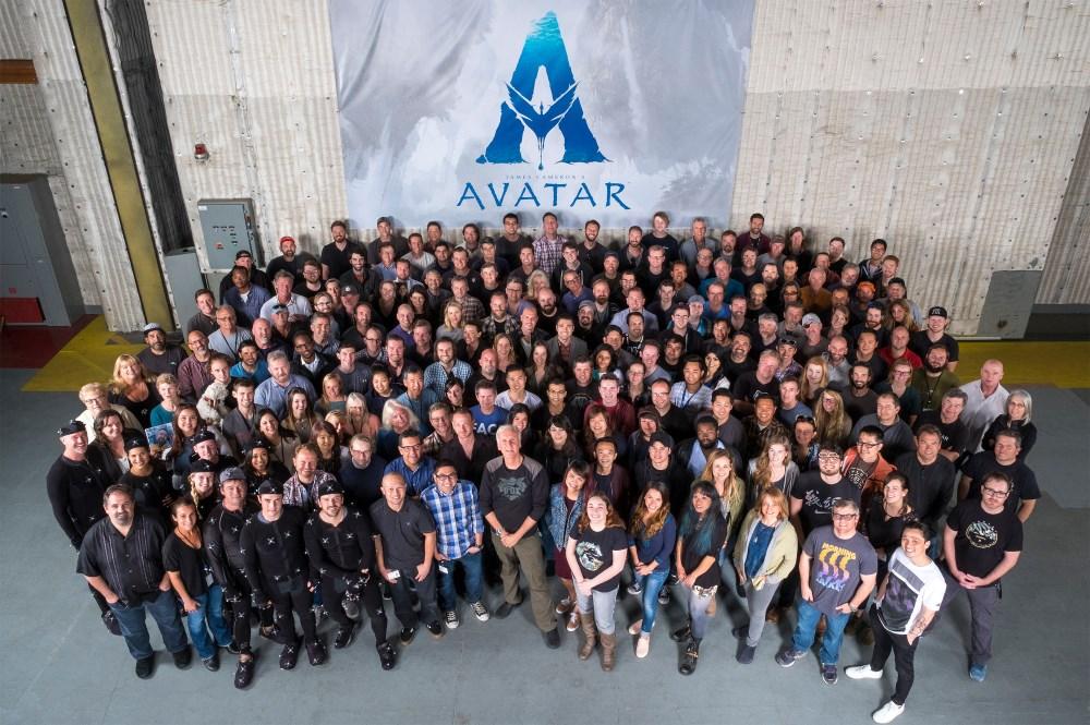 L'équipe de tournage d'Avatar 2, 3 et 4 autour de James Cameron