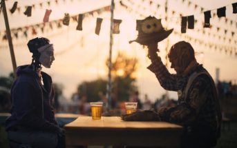 Robot & Scarecrow : une humanoïde tombe amoureuse d'un épouvantail