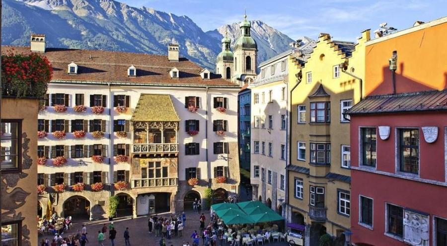 Le Goldenes Dachl (Petit toit d'or) dans la vieille ville d'Innsbruck
