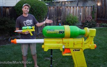 Il fabrique le pistolet à eau le plus grand et puissant du monde !