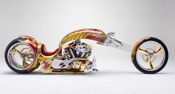 Moto Yamaha Roadstar Nemesis