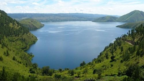 Le lac Toba sur l'île de Sumatra en Indonesie