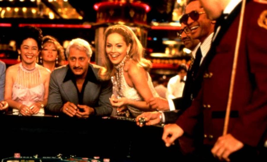 Sharon Stone joue au craps dans le film Casino
