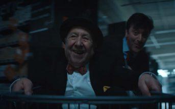 Pub de Noël 2017 : un vieil homme s'éclate dans un Magasin U
