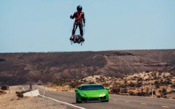 Il fait la course avec une Lamborghini sur son Flyboard Air