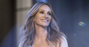 """Julia Roberts dans la pub du parfum Lancôme """"La Vie est Belle"""" 2018"""
