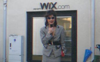 """L'humoriste """"Marie S'infiltre"""" chez WIX et apprend à créer un site internet !"""