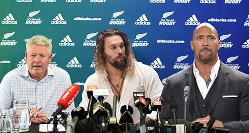 "Dwayne ""The Rock"" Johnson and Jason ""Aquaman"" Momoa sign with NZ Rugby"