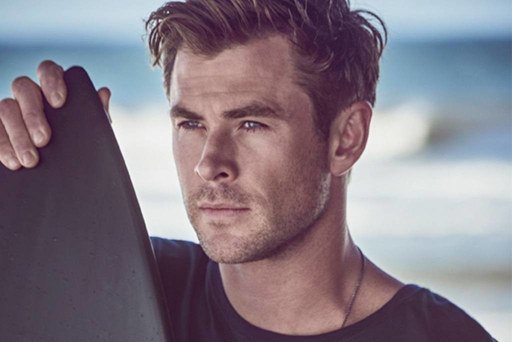L'acteur Chris Hemsworth incarne un surfeur dans la pub du parfum Boss Bottled Infinite 2019