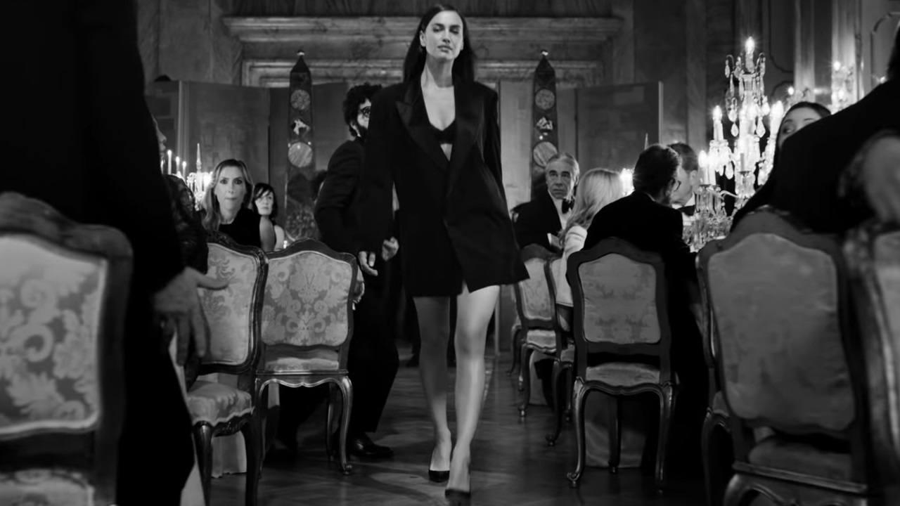 Dans La Gaultier Fait Paris' 'scandal Pub À Paul Jean Irina 2019 Shayk Xk8nw0PO