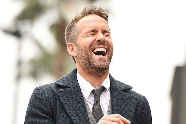 Ryan Reynolds en trin de rigoler