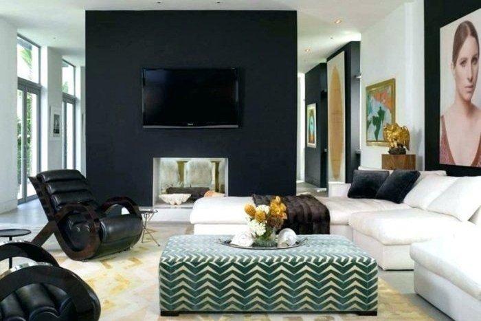 déco: cacher la télé avec une peinture noire ton sur ton