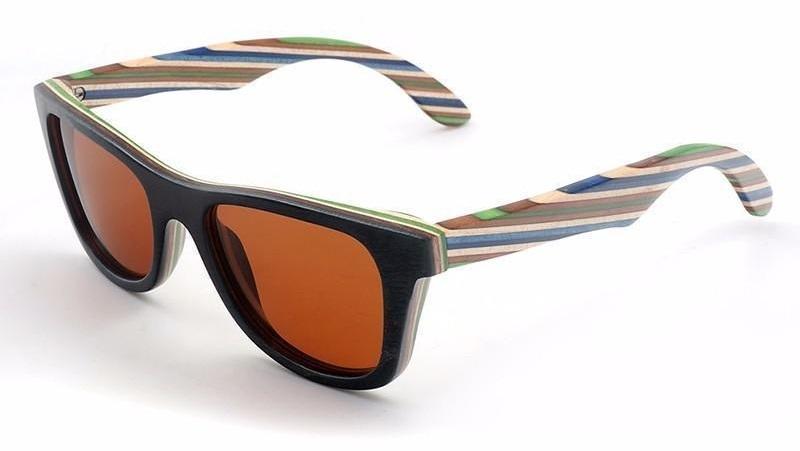 lunettes de soleil en bois bicolores