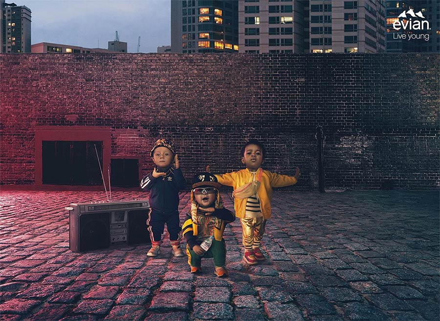Pub affichage Bébés Evian 2019 : danseurs de hip-hop