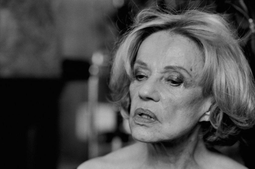 Portrait noir et blanc de Jeanne Moreau.