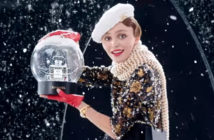 Lily-Rose Depp dans la pub de Noël Chanel n°5