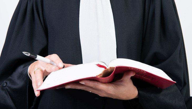Se faire aider d'un avocat spécialisé en droit automobile