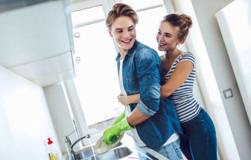 couple ménage cool