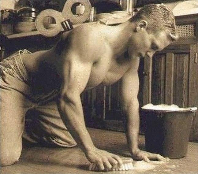 séduction : un homme de ménage sexy