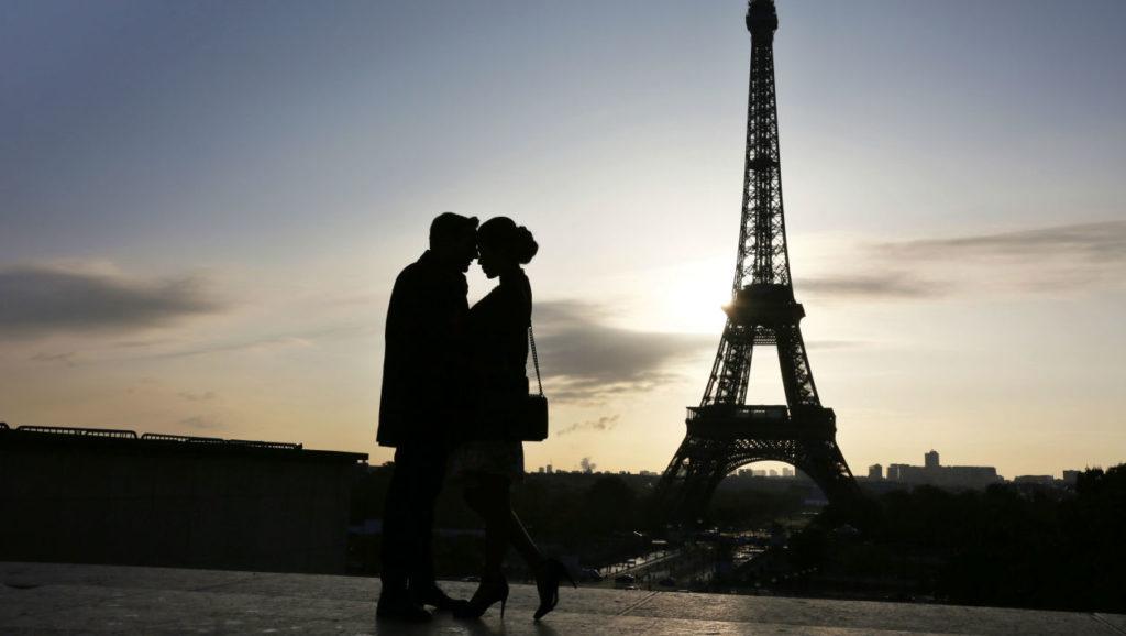 Paris, cité mondiale des amoureux