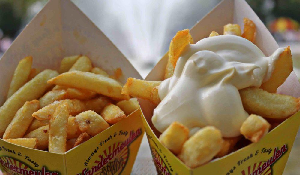 Manger des frites en Belgique