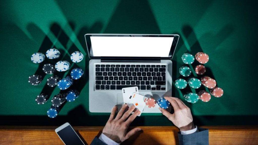 Le poker en ligne vous fera cogiter