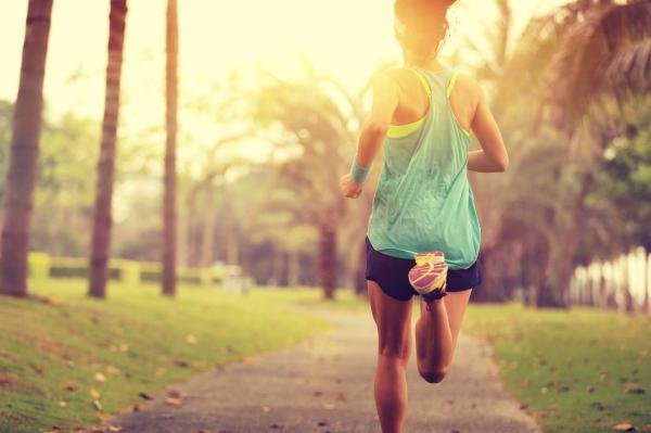 femme_running