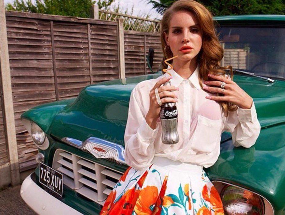 Lana Del Rey : une ambassadrice moderne de la mode vintage
