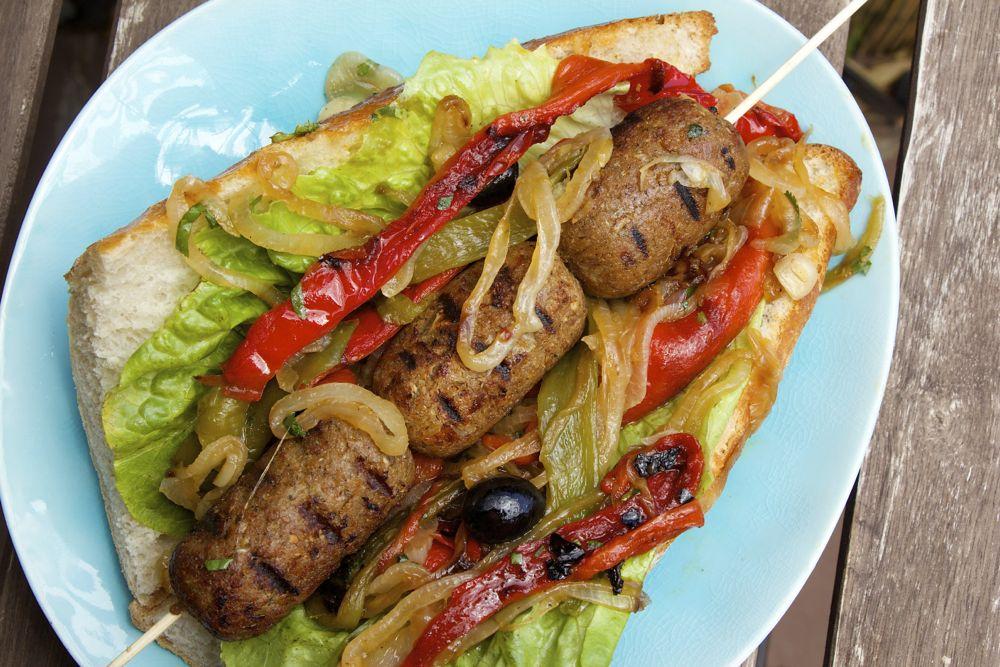 Barbecue végétarien : saucisses sans viande