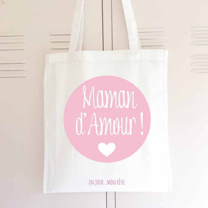 Le tote bag, un cadeau pour maman après naissance