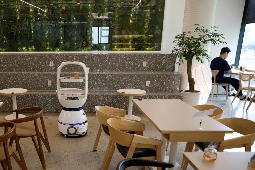 Robot Barista dans un café