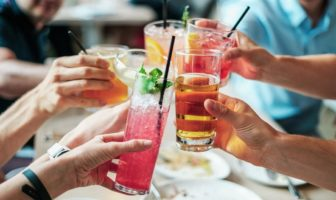 Boire de l'alcool sans grossir