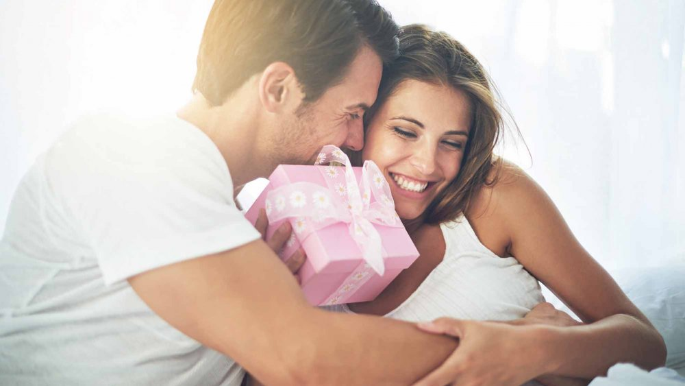 Trois cadeaux à faire à une jeune maman après l'accouchement