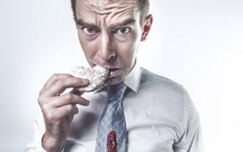 Comment apprendre à manger moins?