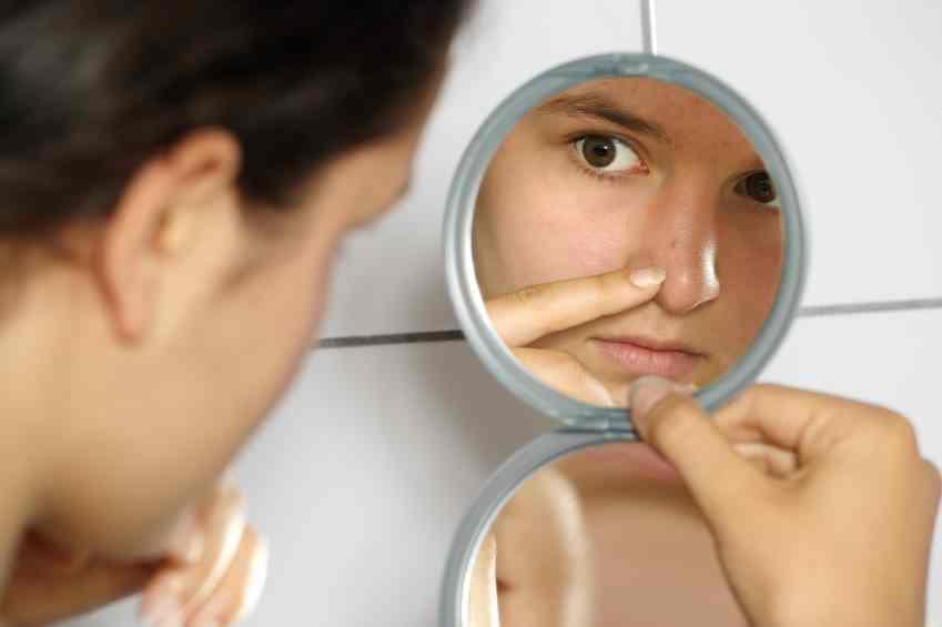 Comment éviter les boutons sur le visage ?