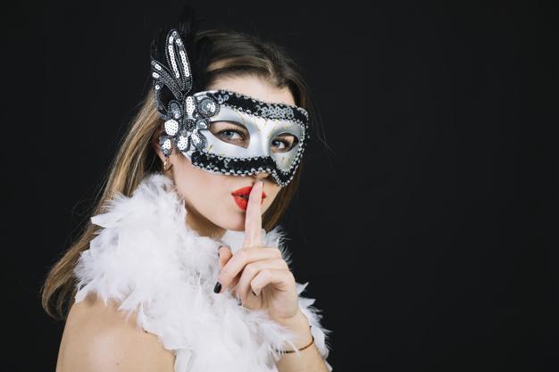 femme-masque-carnaval