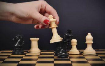 Stratégies pour gagner aux échecs : de l'ouverture à la fin d'une partie
