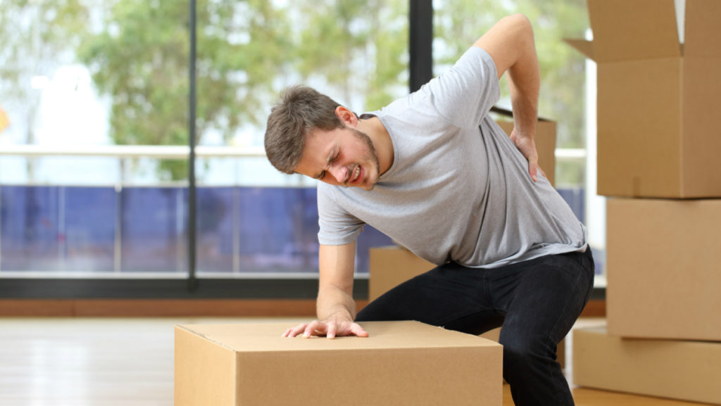 Éviter le mal de dos en évitant les mauvais gestes