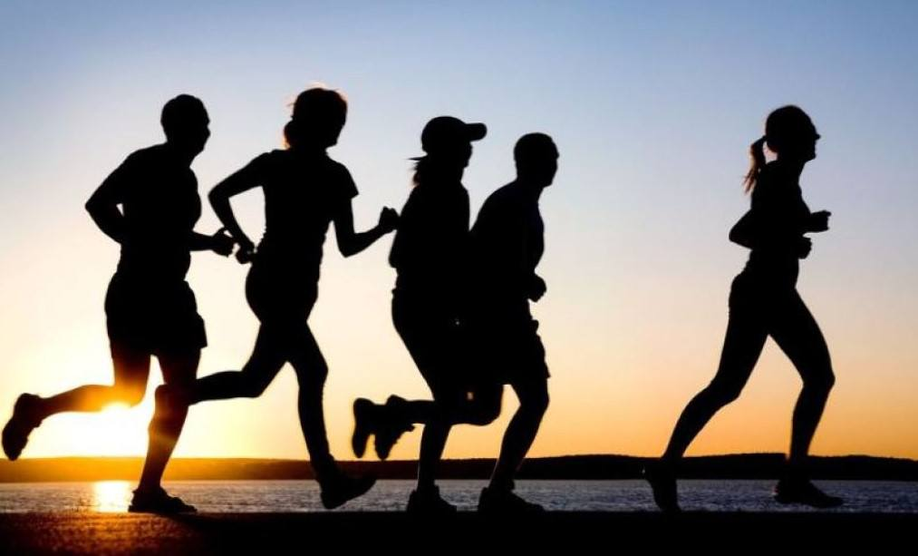 running together: sport running group