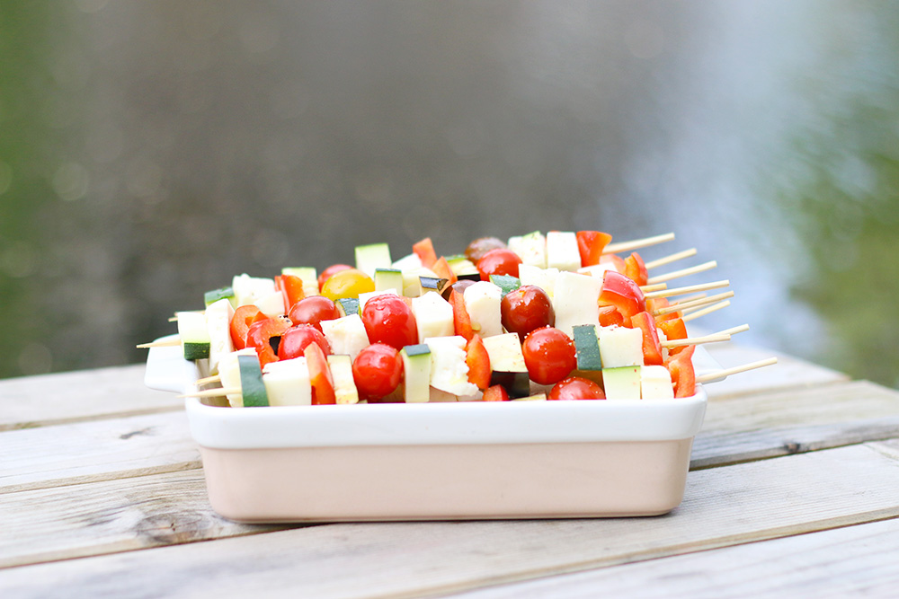 Des brochettes végétariennes aux légumes du soleil